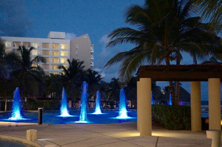 Cancun Westin Lagunamar Fountains