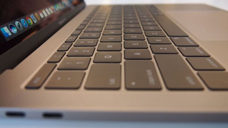 MacBook Pro 2016 Travel Bloggers